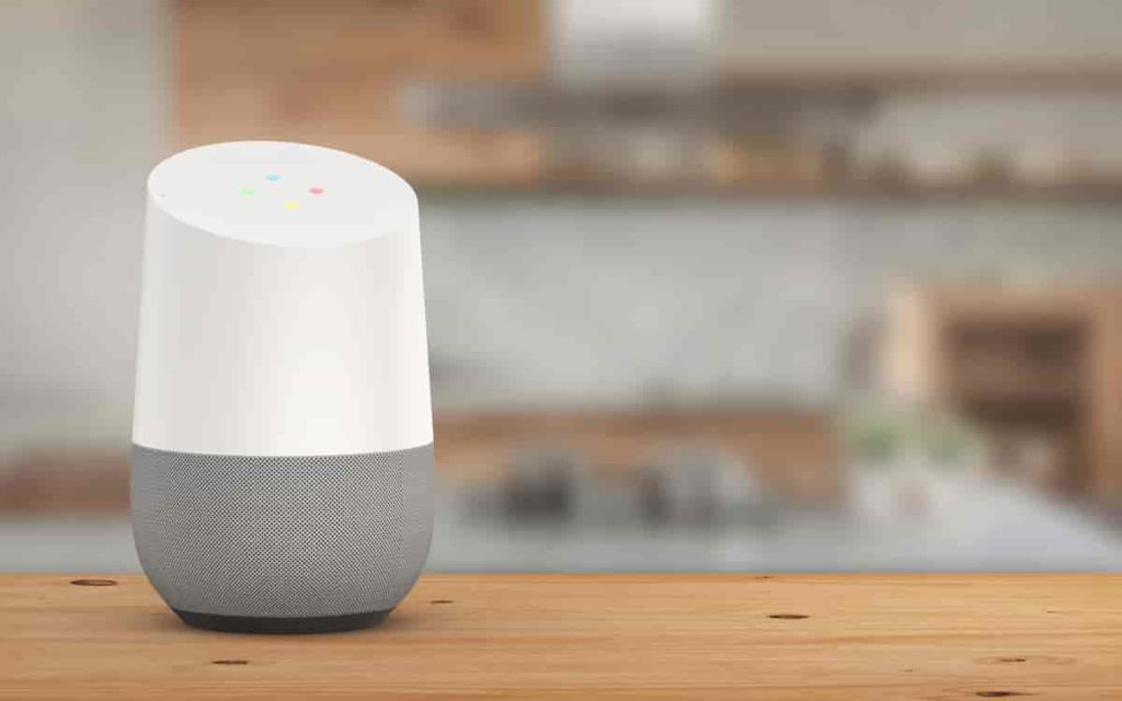 Read more about the article Smart Speakers are encouraging podcast listening